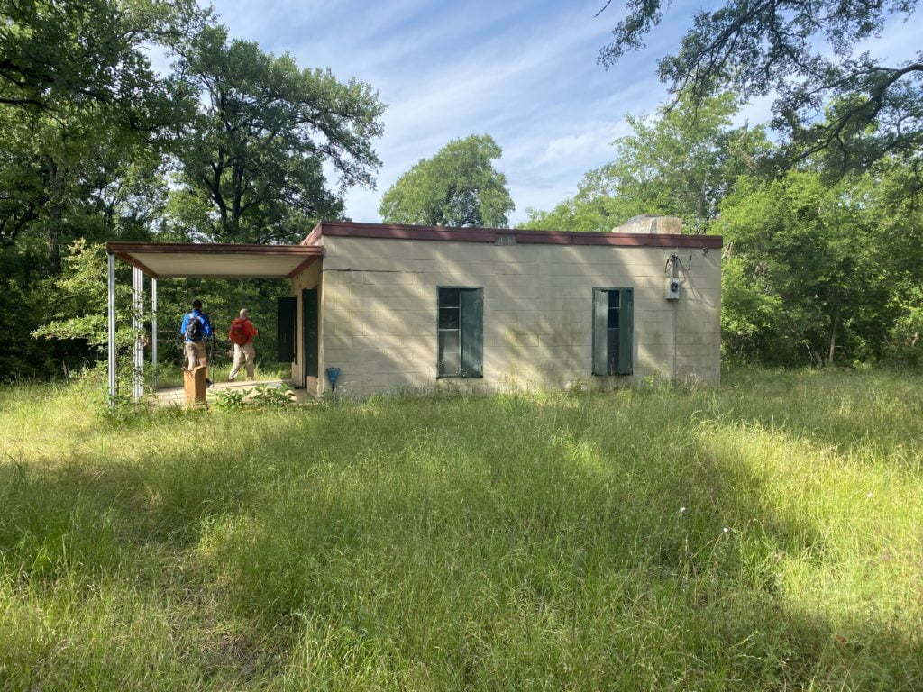Fort Parker State Park, old building